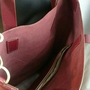 Marc By Marc Jacobs Bags - Marc by Marc Jacobs Oxblood Cross Body Tote Bag